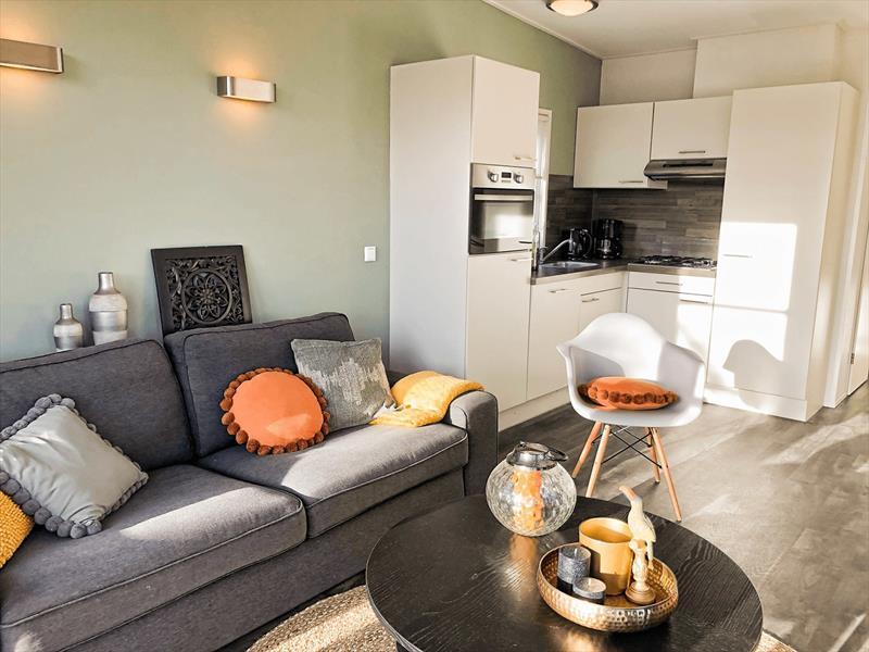 Vakantiehuis te koop bij het strand in Zeeland woonakamer