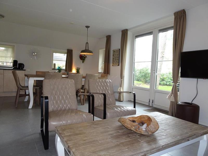 Vakantiehuis te koop Gelderland Otterlo Vijverlaan 1 K5 Droompark De Zanding Woonkamer