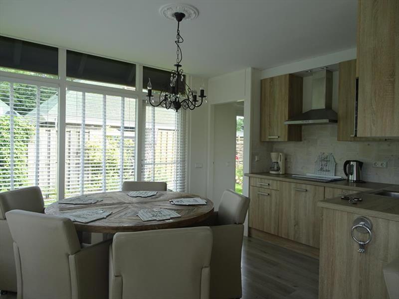 Vakantiehuis te koop Zuid-Holland Ouddorp Dijkstelweg 59                Woonkamer/Keuken