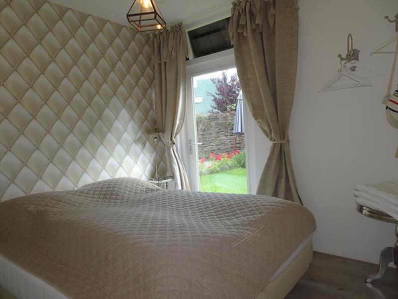 Vakantiehuis te koop Zuid-Holland Ouddorp Dijkstelweg 59                            Slaapkamer 1