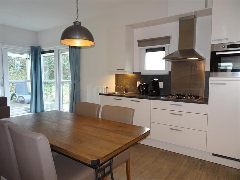 Vakantiehuis te koop Z.Holland Ouddorp Oude Nieuwlandseweg 11 Helmduyn 6 Roompot Strandpark Duynhille Keuken