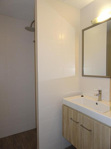 Vakantiehuis te koop Zuid Holland Ouddorp Oosterduin 9 Roompot Strandpark Duynhille  Badkamer 2