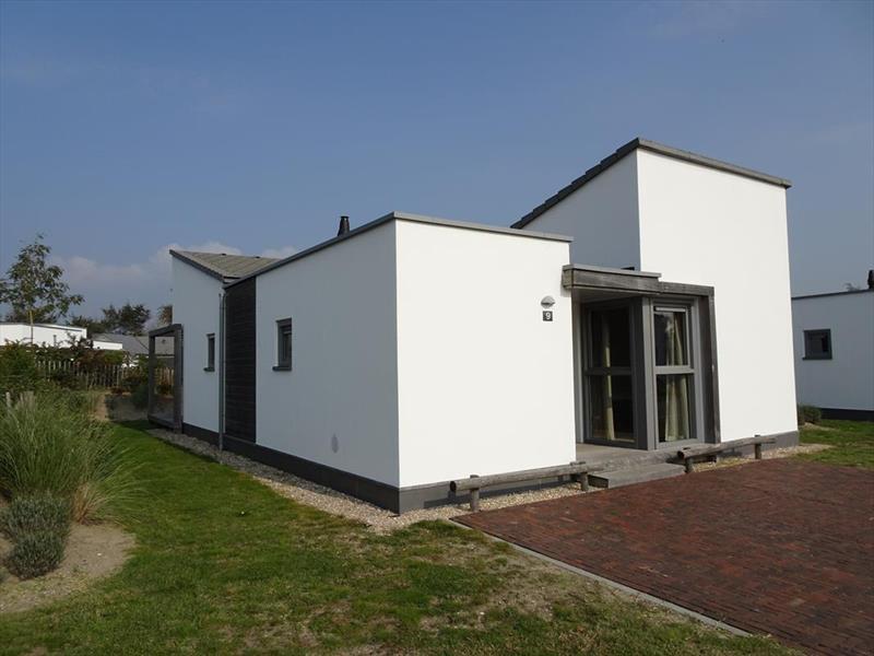 Vakantiehuis te koop Zuid Holland Ouddorp Oosterduin 9 Roompot Strandpark Duynhille  Tuin