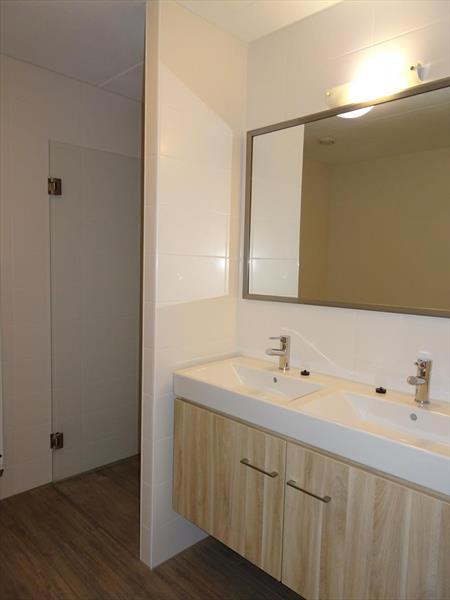 Vakantiehuis te koop Z.Holland Ouddorp Vloedburgh 6 Roompot Strandpark Duynhille  Badkamer