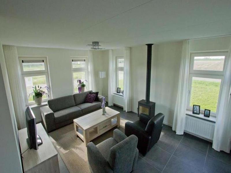 Vakantiehuis te koop Zeeland Poortvliet Havenweg 19  Woonkamer