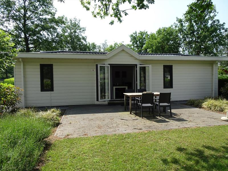 Vakantiehuis te koop Limburg Susteren Hommelweg 2 K269 Resort Limburg Tuin/terras