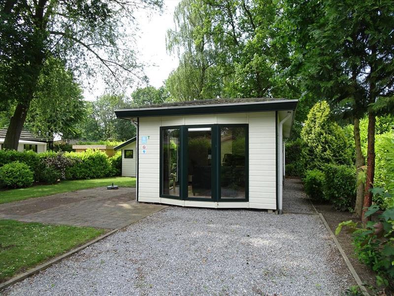 Vakantiehuis te koop Limburg  Susteren Hommelweg 2 K274 Park Resort Limburg Parkeerplaats