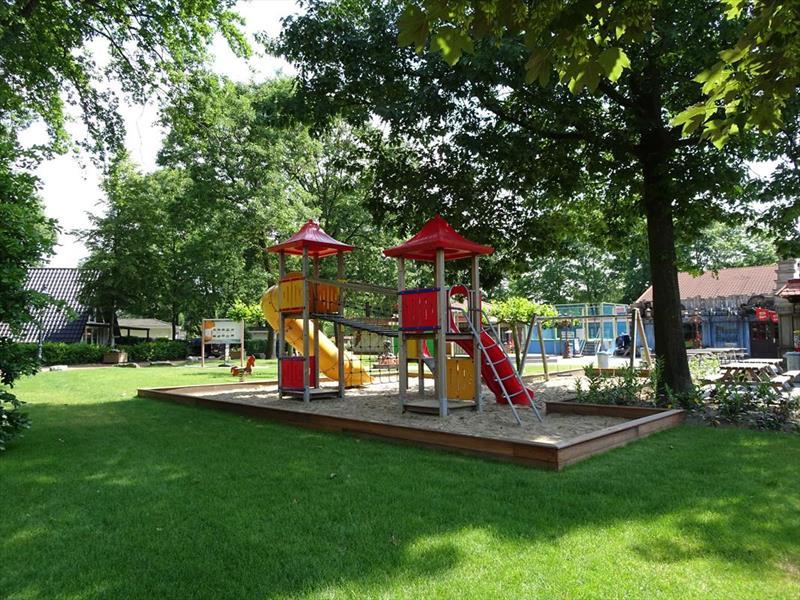 Vakantiehuis te koop Limburg  Susteren Hommelweg 2 K274 Park Resort Limburg Op het park