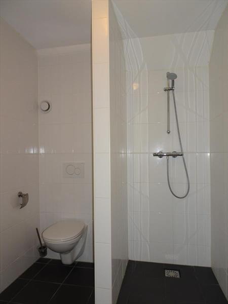 Vakantiehuis te koop Limburg Susteren Hommelweg 2 K801 12 pers. Park Resort Limburg Badkamer 2 verdieping