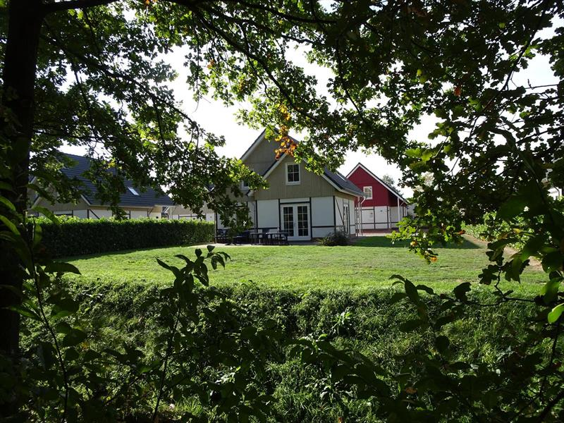 Vakantiehuis te koop Limburg Susteren Hommelweg 2 K801 12 pers. Park Resort Limburg Tuin
