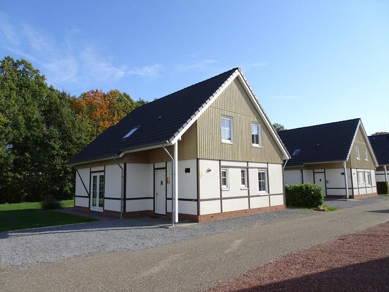 Vakantiehuis te koop Limburg Susteren Hommelweg 2 K801 12 pers. Park Resort Limburg Parkeerplaats