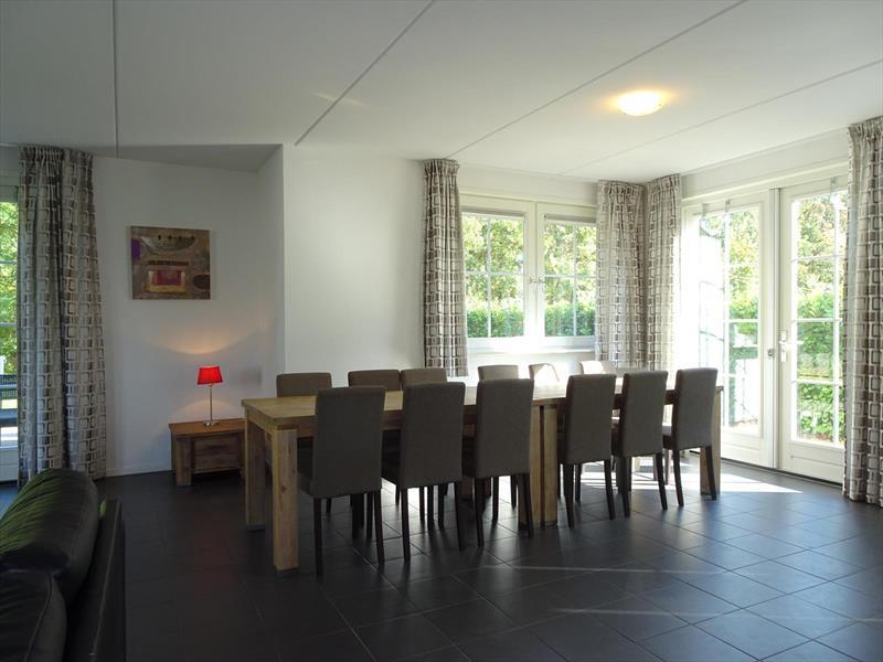 Vakantiehuis te koop Limburg Susteren Hommelweg 2 K801 12 pers. Park Resort Limburg Woonkamer