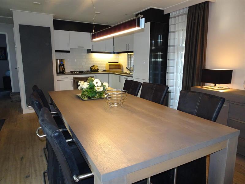 Vakantiehuis te koop Limburg Susteren Hommelweg 2 K121 Woonkamer en keuken