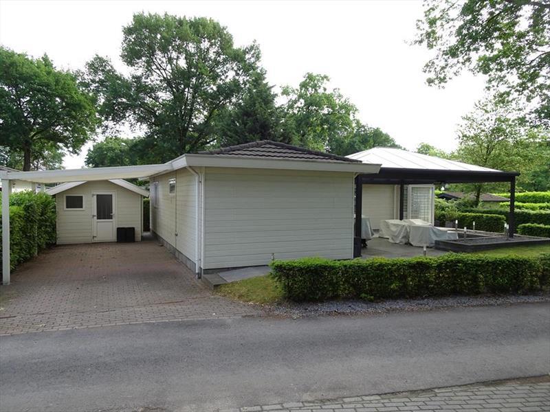 Vakantiehuis te koop Limburg Susteren Hommelweg 2 K121 Parkeerplaats