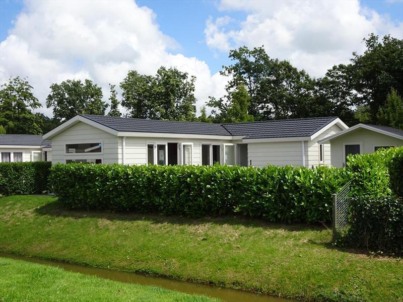 Vakantiehuis te koop N.Holland Velsen Zuid Buitenhuizerweg 2 K263 Droompark Buitenhuizen  Tuin