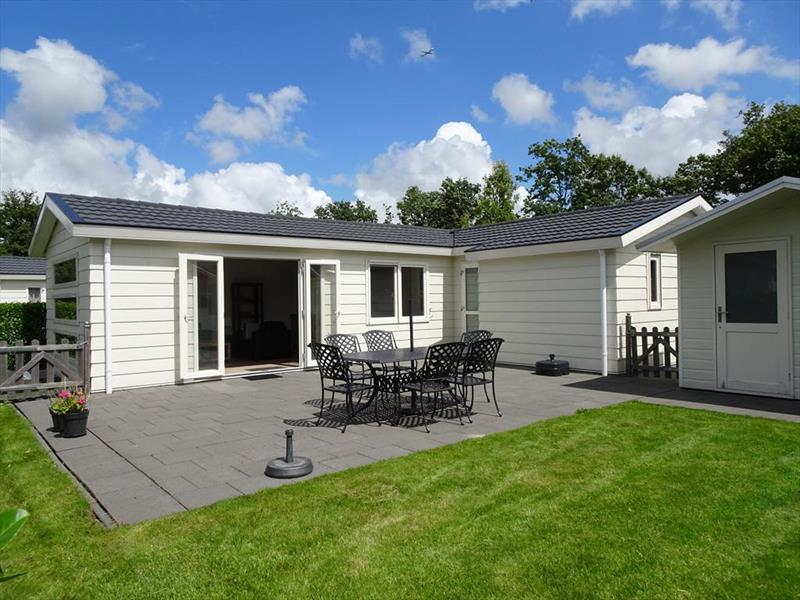 Vakantiehuis te koop N.Holland Velsen Zuid Buitenhuizerweg 2 K263 Droompark Buitenhuizen
