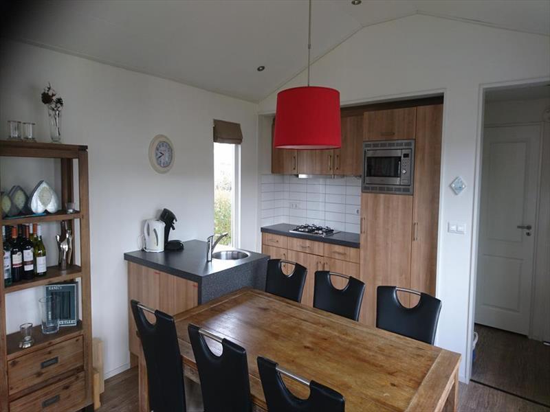 Vakantiehuis te koop N.Holland Velsen Zuid Buitenhuizerweg 2 K263 Droompark Buitenhuizen  Keuken