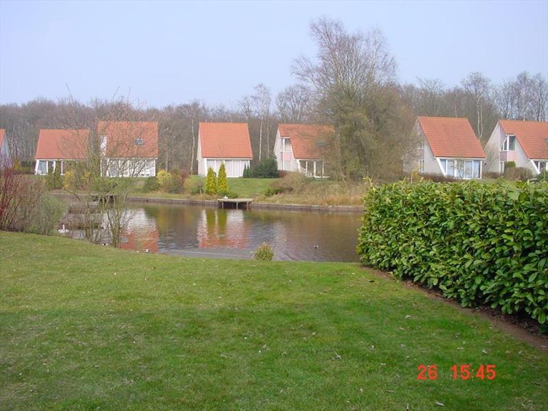Vakantiehuis te koop Groningen Wedde Paviljoenweg 2 Uitzicht vanuit de tuin