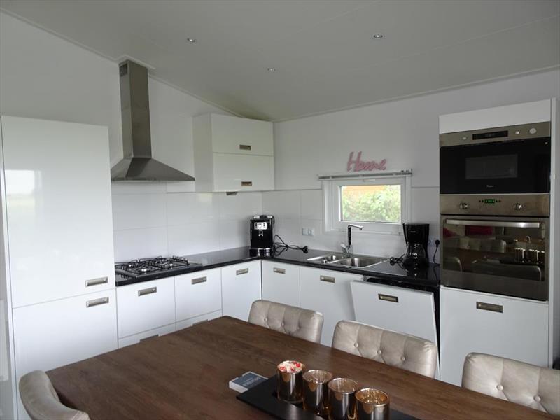 Vakantiehuis te koop N.Holland Oost-Graftdijk Groenedijk 6K360  Eurparcs Resort De Rijp   Keuken