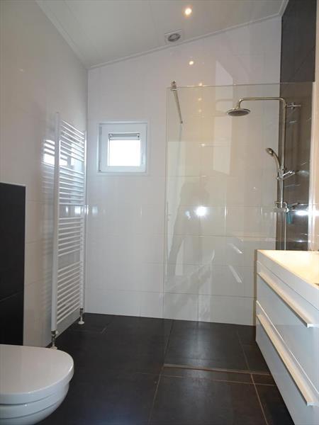 Vakantiehuis te koop N.Holland Oost-Graftdijk Groenedijk 6K360  Eurparcs Resort De Rijp   Badkamer