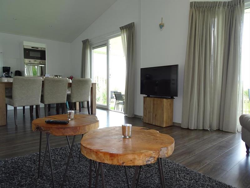 Vakantiehuis te koop N.Holland Oost-Graftdijk Groenedijk 6K360  Eurparcs Resort De Rijp   Woonkamer