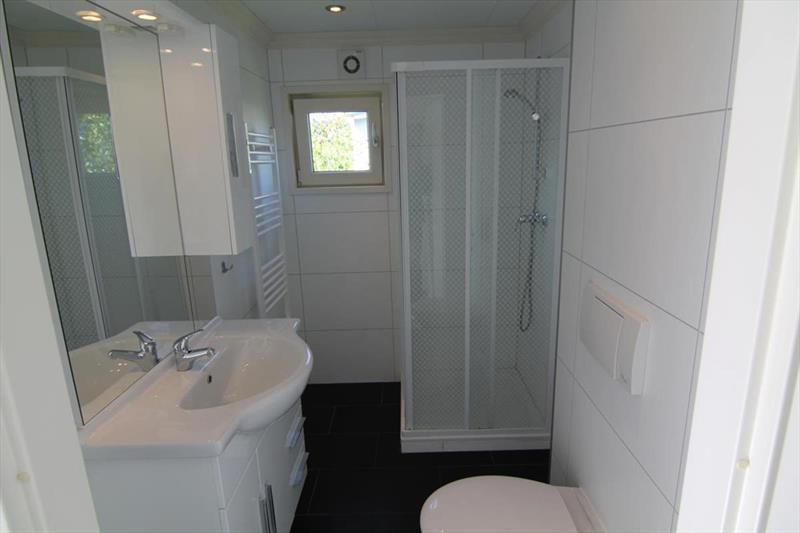 Vakantiehuis te koop N.Holland West Graftdijk K415 Park De Rijp Badkamer