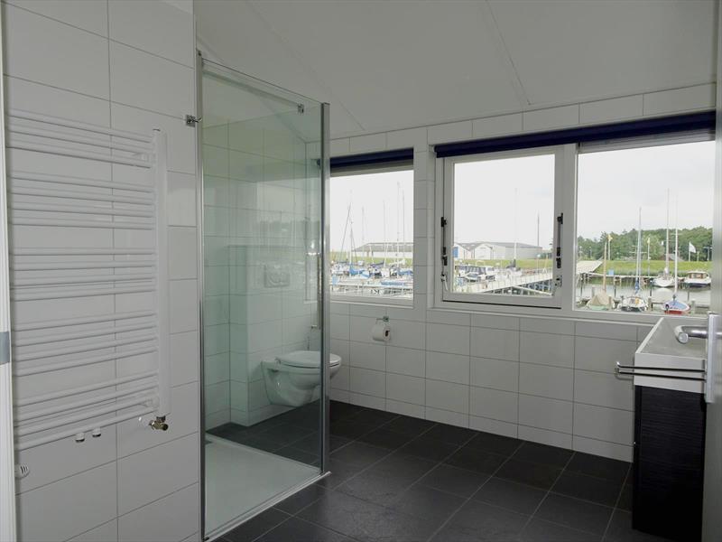 Vakantiehuis te koop N.Holland Wieringerwerf park den Oever Badkamer