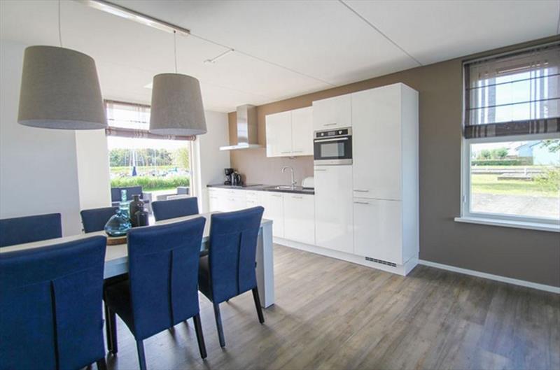 Vakantiehuis te koop N.Holland Wieringerwerf park den Oever Woonkamer en keuken