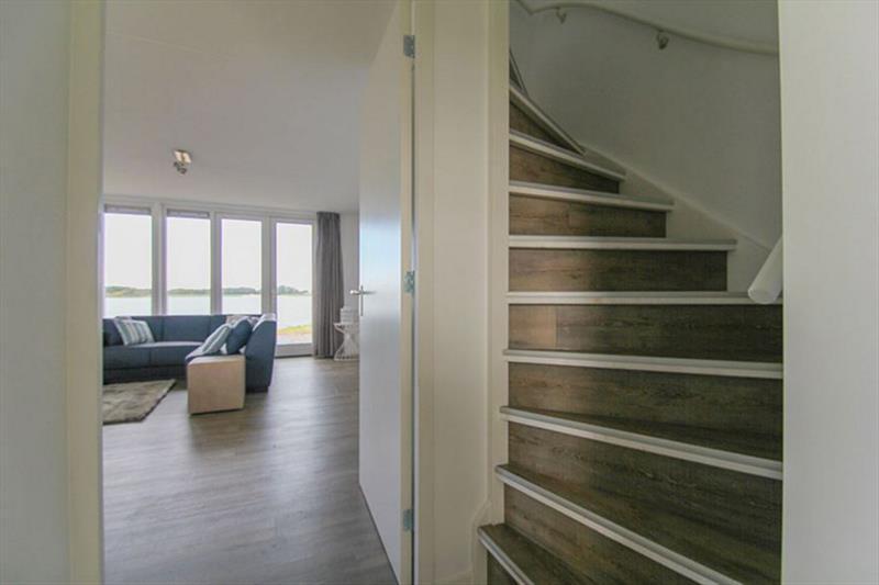 Vakantiehuis te koop N.Holland Wieringerwerf park den Oever Trap naar verdieping